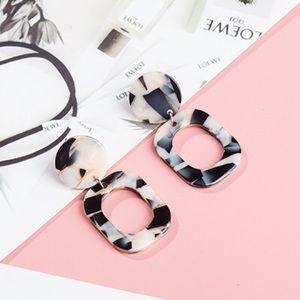 Jewelry - Acrylic Black Cream w/ Gold Speckles Drop Earrings